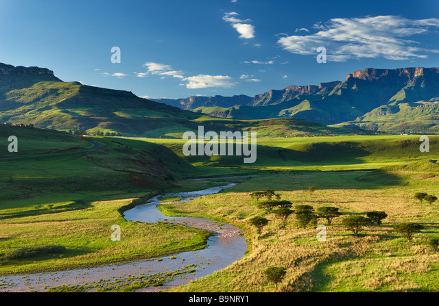 the Tugela Valley with the Drakensberg Mountains beyond, KwaZulu Natal, South Africa - Stock-Bilder