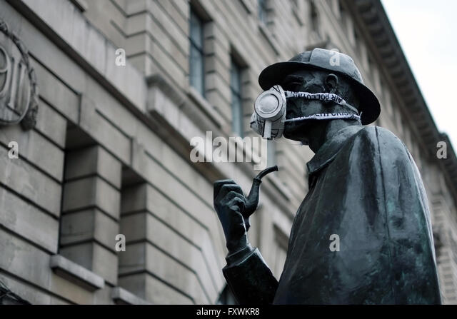 Baker Street, London, UK; 18th April 2016. The Sherlock Holmes statue outside Baker Street Underground Station is - Stock Image
