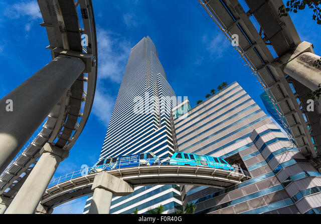 Metrorail and Miami Tower, Miami downtown - Stock Image