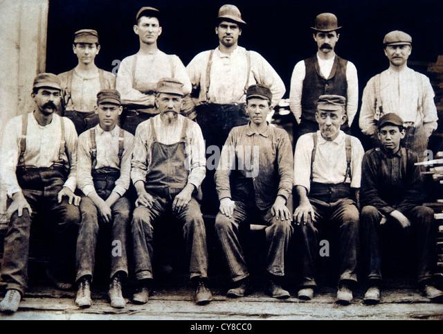 Eleven Workers, Portrait, Circa 1890 - Stock-Bilder