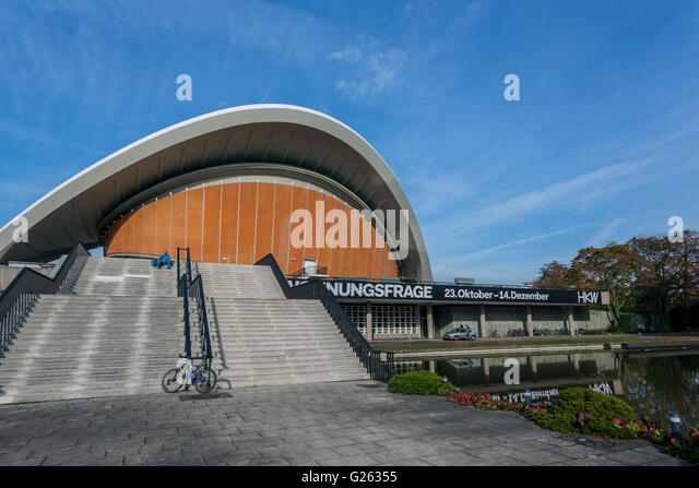 Haus der Kulturen der Welt, House of the World's Cultures, Großer Tiergarten, architect Hugh Stubbins, - Stock-Bilder
