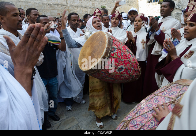 Ethiopian Good Friday celebrations at the Holy Sepulcre, Old City, Jerusalem, Israel, Middle East - Stock-Bilder