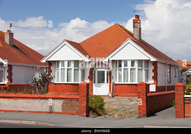 Bungalows in Prestatyn which is a vary low lying area, vulnerable to coastal flooding. - Stock-Bilder