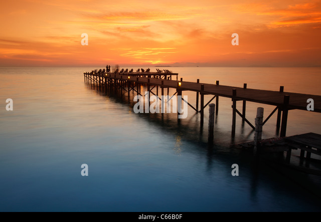Jetty at sunset st Kapalai resort, Kapalai Island, Borneo, Malaysia - Stock-Bilder