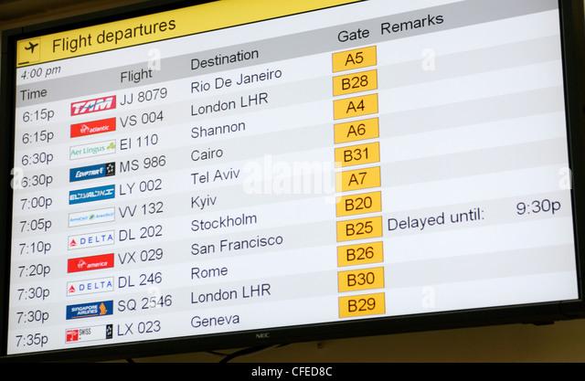 Listing of flights at airport (JFK International Airport, New York) - Stock-Bilder