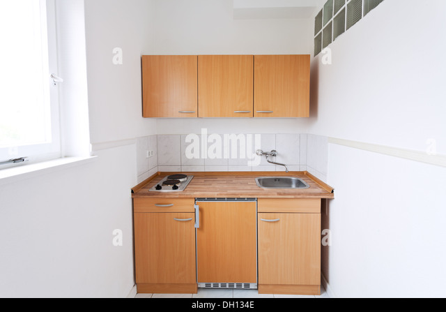 Fridge poor stock photos fridge poor stock images alamy for Simple kitchen set