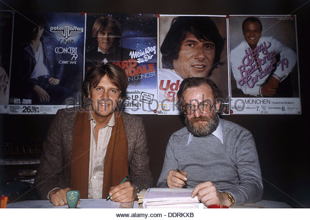 Rau Fritz 9.3.1930 - 19.8.2013 German concert promoter with singer Howard Carpendale during a meeting 1979 poster - Stock Image