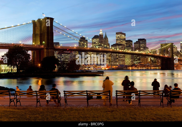The Brooklyn Bridge spanning the East River between Brooklyn and Manhanttan, New York City, New York, USA - Stock Image