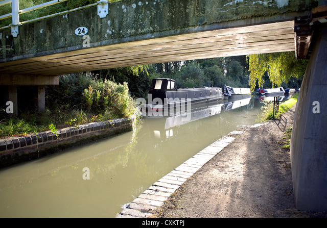Bridge 24 Grand Union Canal Warwickshire UK England GB British English inland waterways canals countryside English - Stock Image