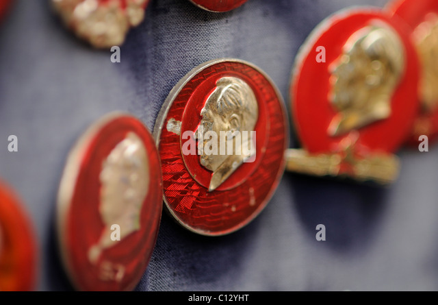badges with portraits of former chinese leader Mao Zedong - Stock Image
