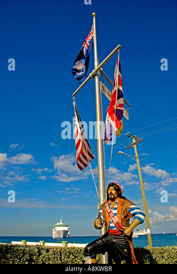 Grand Cayman George Town pirate statue cayman flag cruise ship - Stock Image