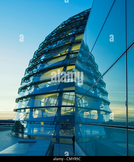 Reichstag buidling, roof top terasse cupola by Sir Norman forster at twilight, Berlin - Stock Image