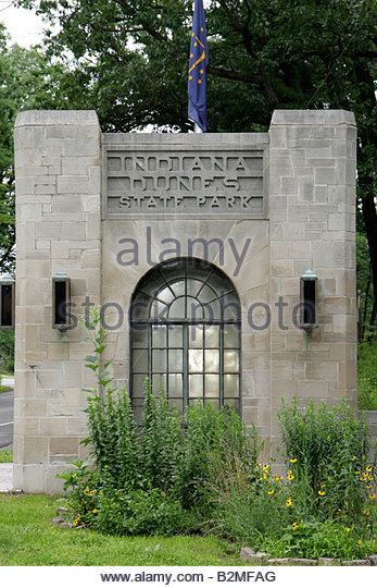 Indiana Chesterton Indiana Dunes State Park Lake Michigan entrance nature preserve protected land building guardhouse - Stock Image