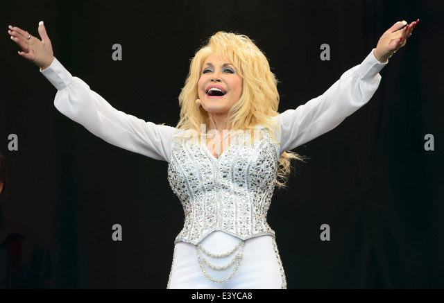 Dolly Parton performs at Glastonbury music festival, England, Sunday, June 29, 2014. - Stock Image
