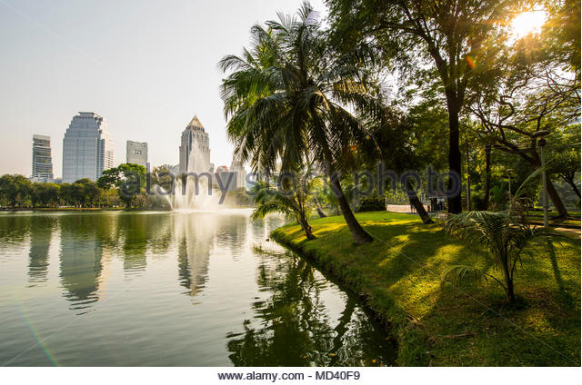 Lumpini Park in the heart of the Sathorn business area in Bangkok, Bangkok Metropolis, Krung Thep, Thailand - Stock Image