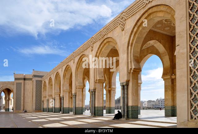 Casablanca Innenstadt, Moschee in der Innenstadt, Hassan II.-Moschee, Casablanca city center, mosque in the city, - Stock Image