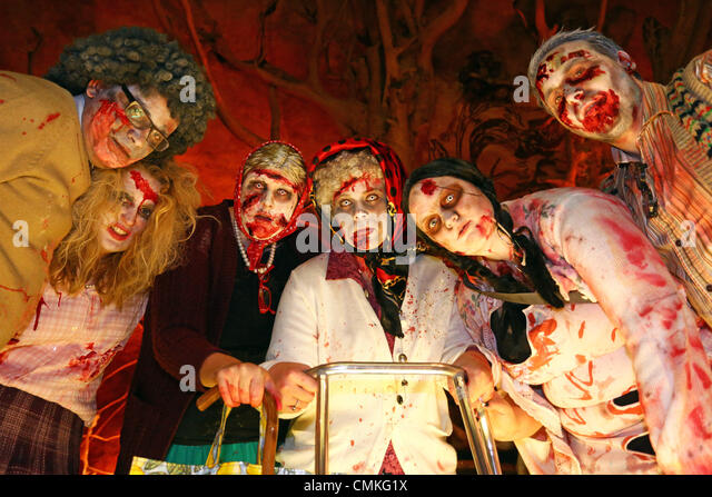 London, UK. 2nd November 2013. Participants dressed up as Zombies for the London Zombie Walk 2013, London, England - Stock Image