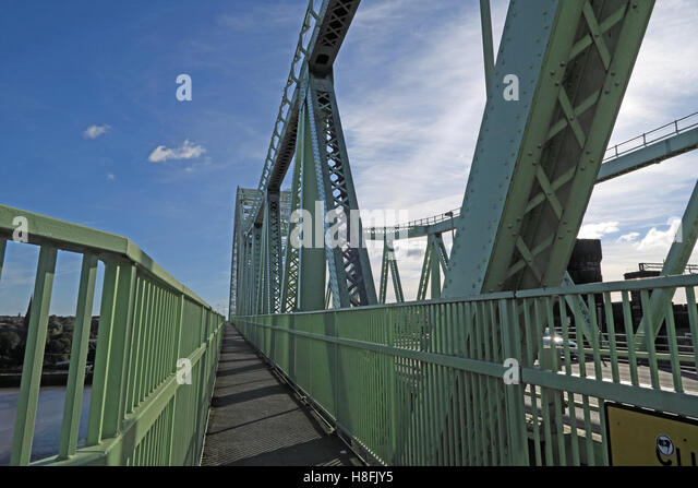 Pedestrian walkway, Runcorn to Widnes Silver Jubilee road bridge, A533, Halton, Cheshire, England, UK - Stock Image