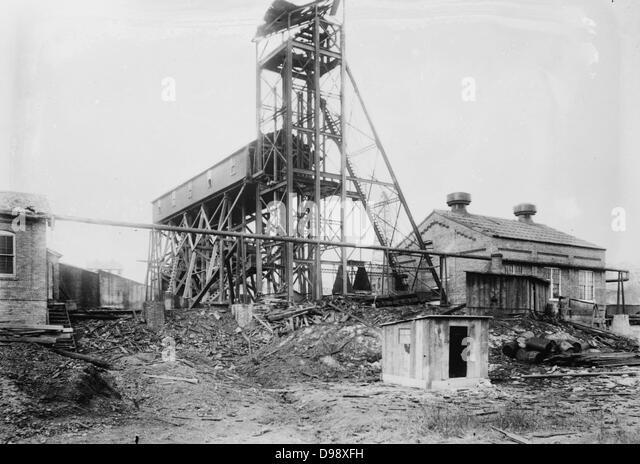 Marianna, PA. mine disaster, wrecked tipple November 30, 1908 - Stock-Bilder