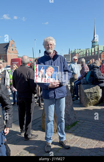 Christiansborg Castle Square, Copenhagen, Denmark. 22nd April, 2017. The participants reach Christiansborg. The - Stock Image