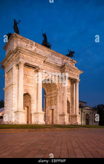 Arch of Peace at night, Piazza Sempione, Milan, Lombardy, Italy, Europe - Stock-Bilder