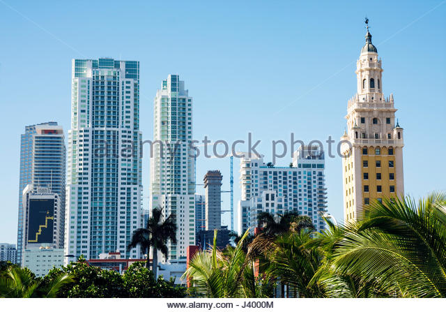 Miami Florida Biscayne Boulevard downtown skyline high-rise high rise building condominium architecture cranes construction - Stock Image