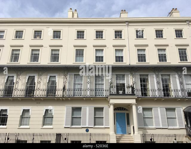 Regency houses in Newbold Terrace, Royal Leamington Spa, and the house lived in by Sidney Flavel, 1810-92, iron-founder and philanthropist - Stock Image