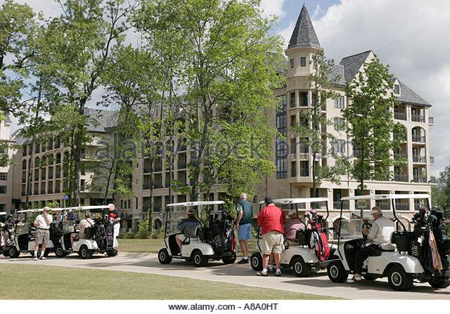 Alabama Hoover Renaissance Ross Bridge Golf and Spa Resort electric carts players hotel - Stock Image