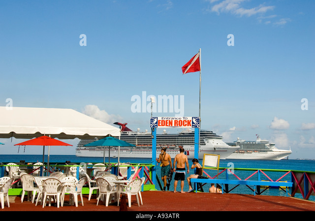 Grand Cayman George Town Eden Rock snorkel dive site tourist attraction - Stock Image
