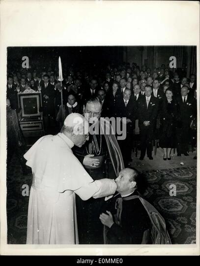 Oct. 31, 1955 - Pope Receives Film Stars and Directors: The Pope recently received at the Vatican 1500 representative - Stock Image