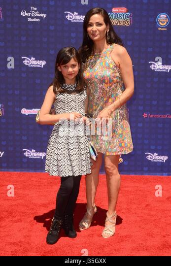 Daughter, Constance Marie at arrivals for Radio Disney Music Awards - ARRIVALS, Microsoft Theater, Los Angeles, - Stock-Bilder
