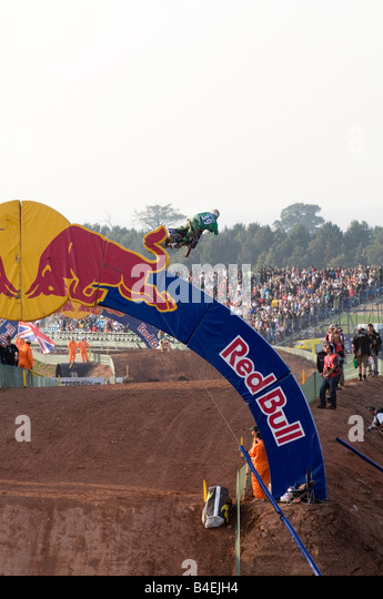 red bulls competitors Red bull energy drink is appreciated worldwide by top athletes, students,  runners and wheelchair competitors, from beginners to elite athletes,.