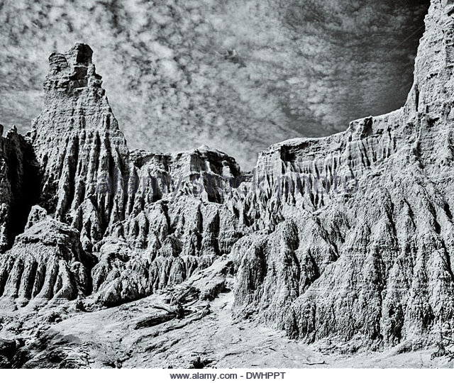 The moon-like landscape of the ancient dead lake known as Mungo Lake, New South Wales, Australia. - Stock Image