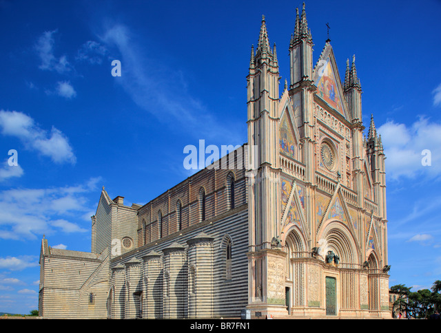 The Duomo di Orvieto is a large 14th century Roman Catholic cathedral situated in the town of Orvieto in Umbria, - Stock-Bilder