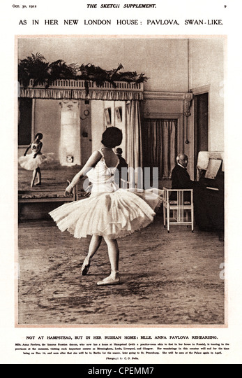Anna Pavlova, 1912 photograph of the legendary Russian ballerina at practice in the year she moved from St Petersburg - Stock Image