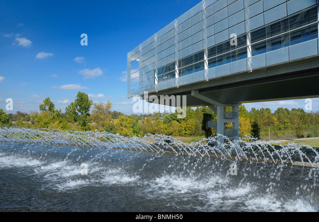 William J. Clinton Presidential Center & Park Library Exterior Little Rock Arkansas USA fountain park architecture - Stock Image