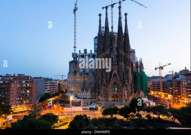 Church in a city, Sagrada Familia, Barcelona, Catalonia, Spain - Stock-Bilder