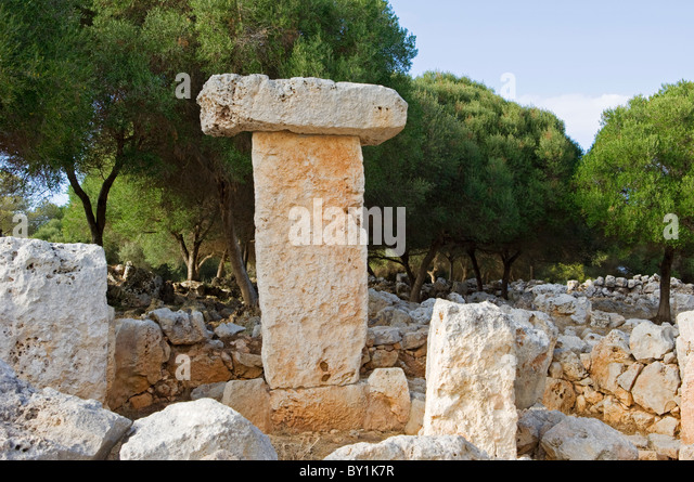 Spain, Menorca.  A Taula or Talayot, an ancient megalithic monument to mark a burial site at Binissafuller. - Stock Image