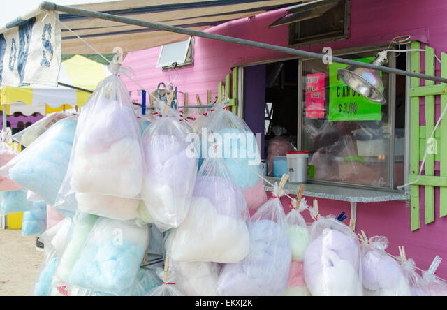 A bright pink food truck sells bags of cotton candy at the Blue Hill Fair, Maine. - Stock Image