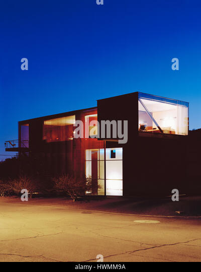 Exterior overall view at night. Xeros House, Phoenix, United States. Architect: Blank Studio, 2006. - Stock-Bilder