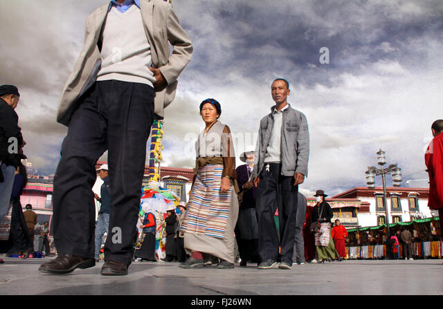 crowd praying in Lhasa, Tibet - Stock Image