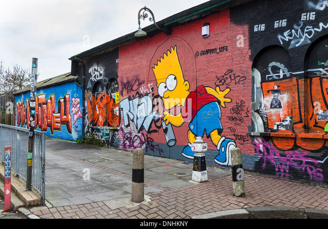street art and graffiti tags homer simpson using spray can paint. Black Bedroom Furniture Sets. Home Design Ideas