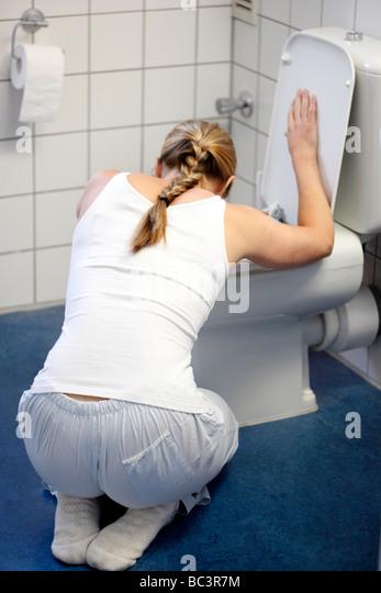 photos of girls vomiting № 9127