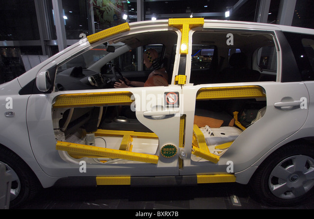 NCAP car safety cage cell chassis crash test dummy - Stock Image