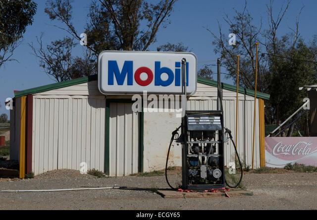 Mobil Petrol Pump Stock Photos Amp Mobil Petrol Pump Stock