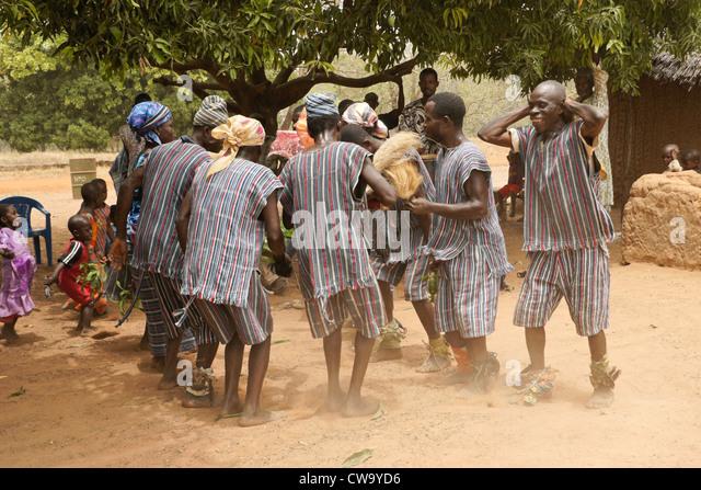 Dance and music performance, Mognori Eco-Village, Ghana - Stock Image