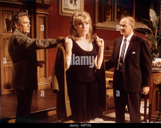 Peter Finch, Kim Novak and Milton Selzer / The Legend Of Lylah Clare / 1968 directed by Robert Aldrich - Stock Image