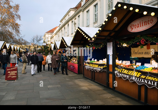 Christmas Market, Unter Den Linden, Berlin, Germany, Europe - Stock Image