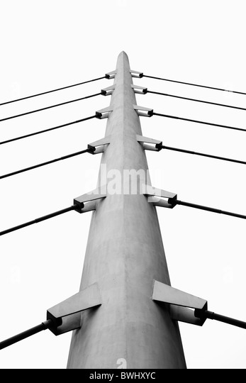 close up of a Suspension bridge at west india millwall dock south quay, canary wharf - Stock Image