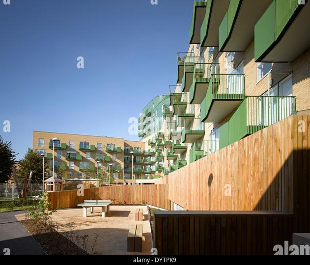 Park Royal Apartments: Central Middlesex Hospital Stock Photos & Central